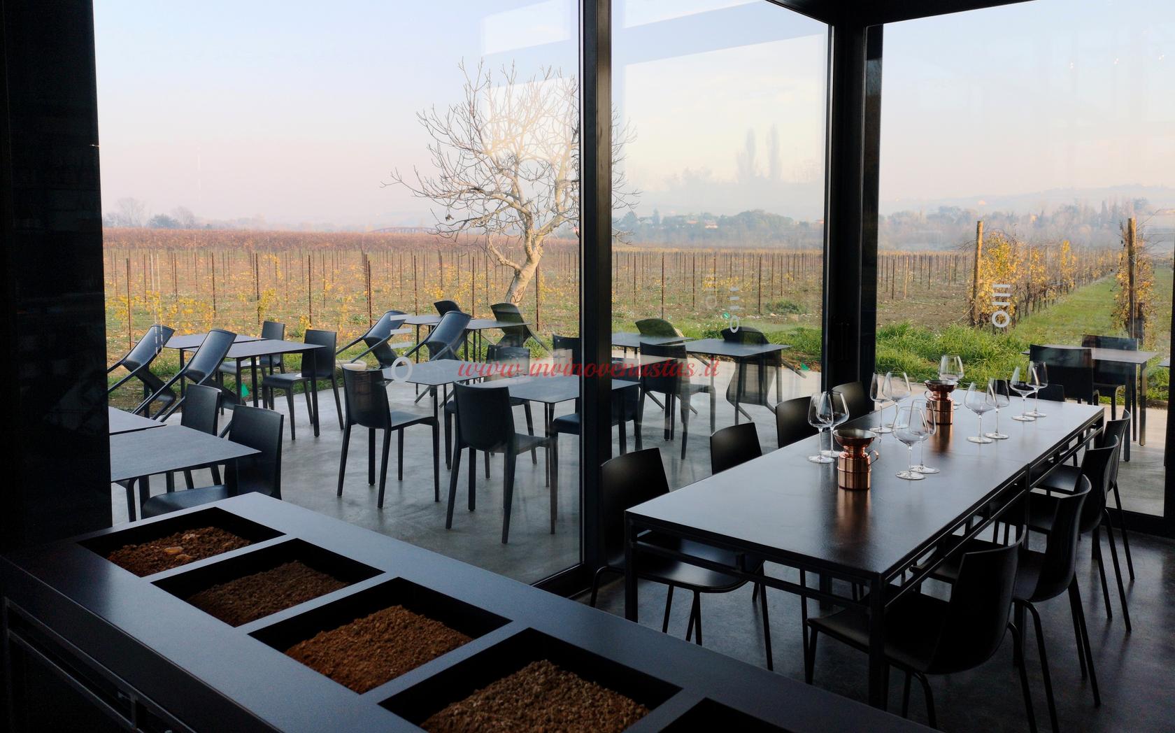 Interno Wine Shop Enio Ottaviani San Clemente