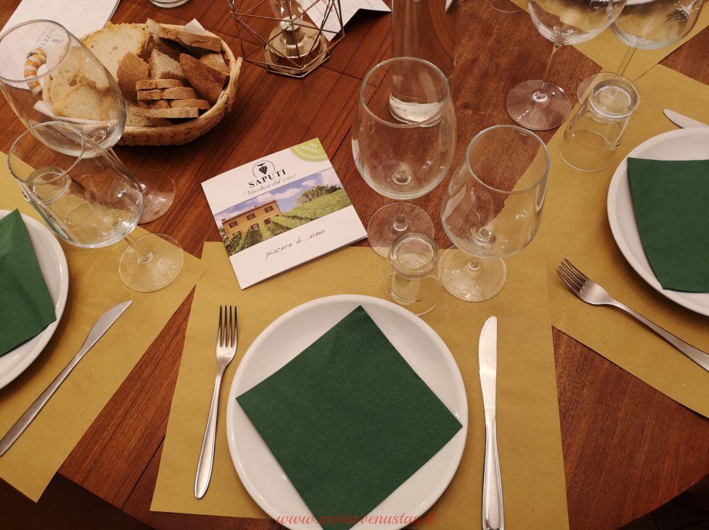 Mise en place serata degustazione Cantine Saputi