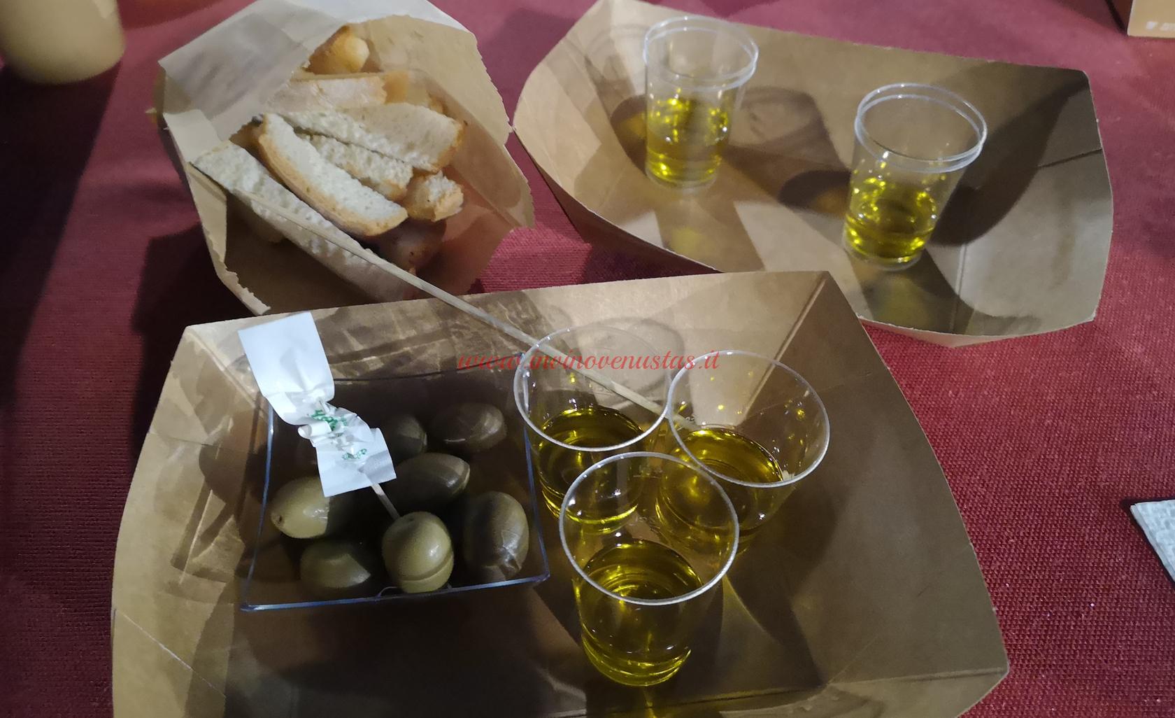 Pane olio e olive Conventino Monteciccardo